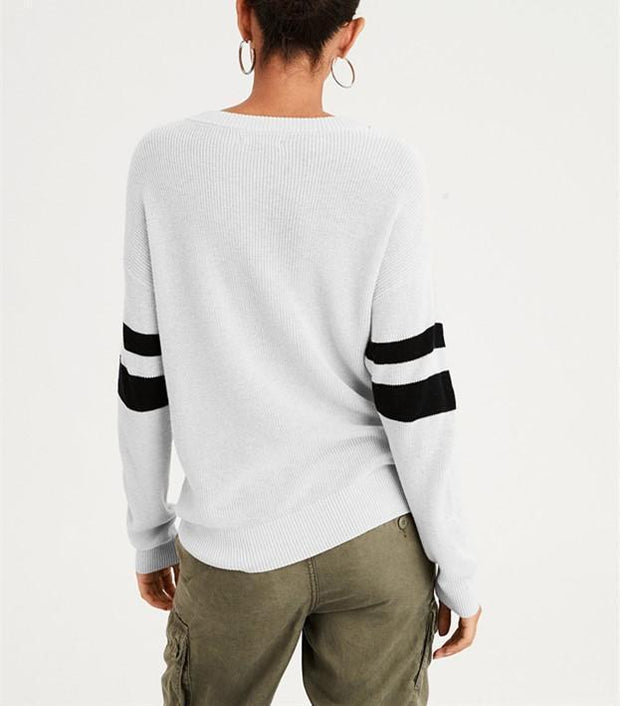 Casual Fashionable   V-Neck Baggy Buttons Embellished With Long-Sleeve Knit Top