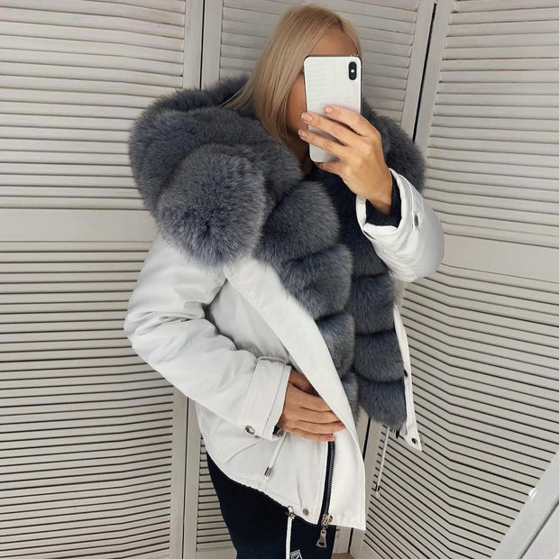 Long-sleeved fur jacket (removable collar)