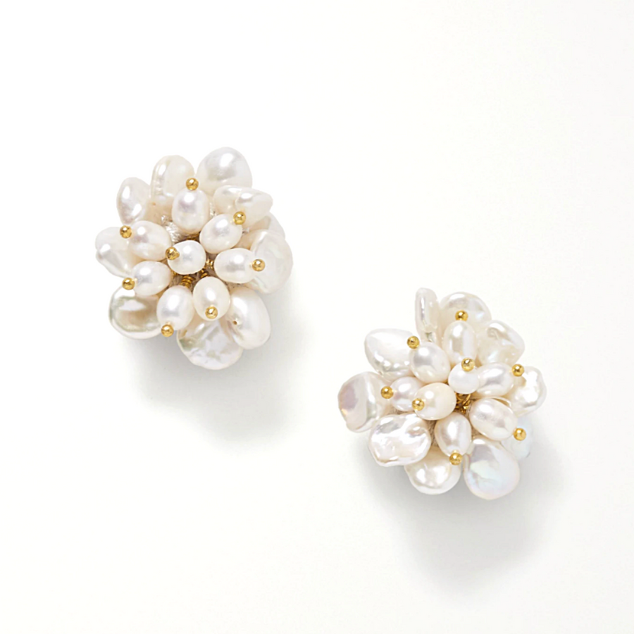 Flower Pearl White Stud