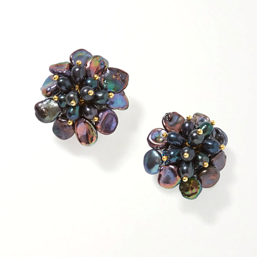 Flower Pearl Black Stud