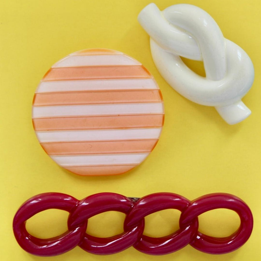 1980s Plastic Brooches Set 3