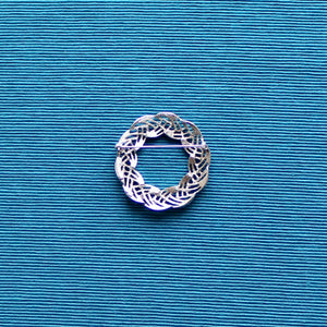 Sarah Coventry Silver Tone Woven Wreath Brooch