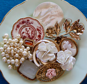 Golden Pearls Coalport Coral Indian Tree Porcelain Plate Brooch