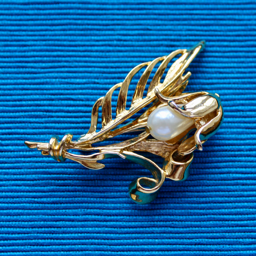 Gold and Pearls Small 1980s Gold and Pearl Floral Stem Brooch