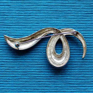 Silver Shapes Chrome Open Knot Brooch
