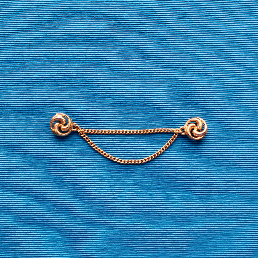 Small Swirl Gold Metal Doublet Chain Brooch