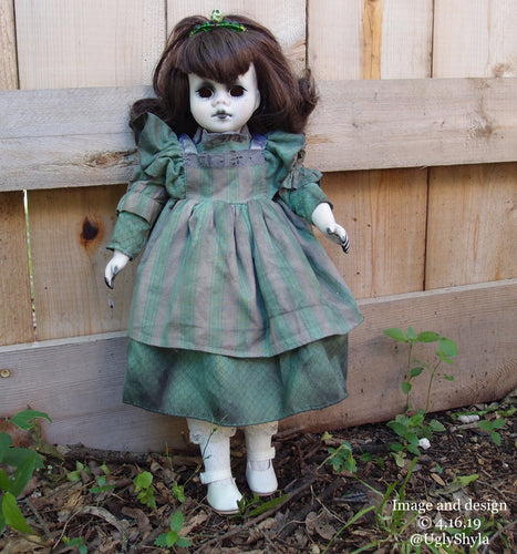 Sweet Green Tooth Cavity Doll By Ugly Shyla