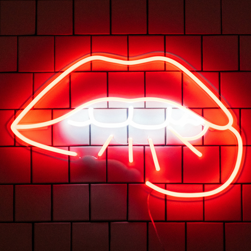 Lips - LED neon sign by Jean André