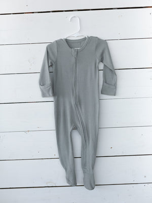 Load image into Gallery viewer, Organic Thermal Zip Footie // Neutral Gray