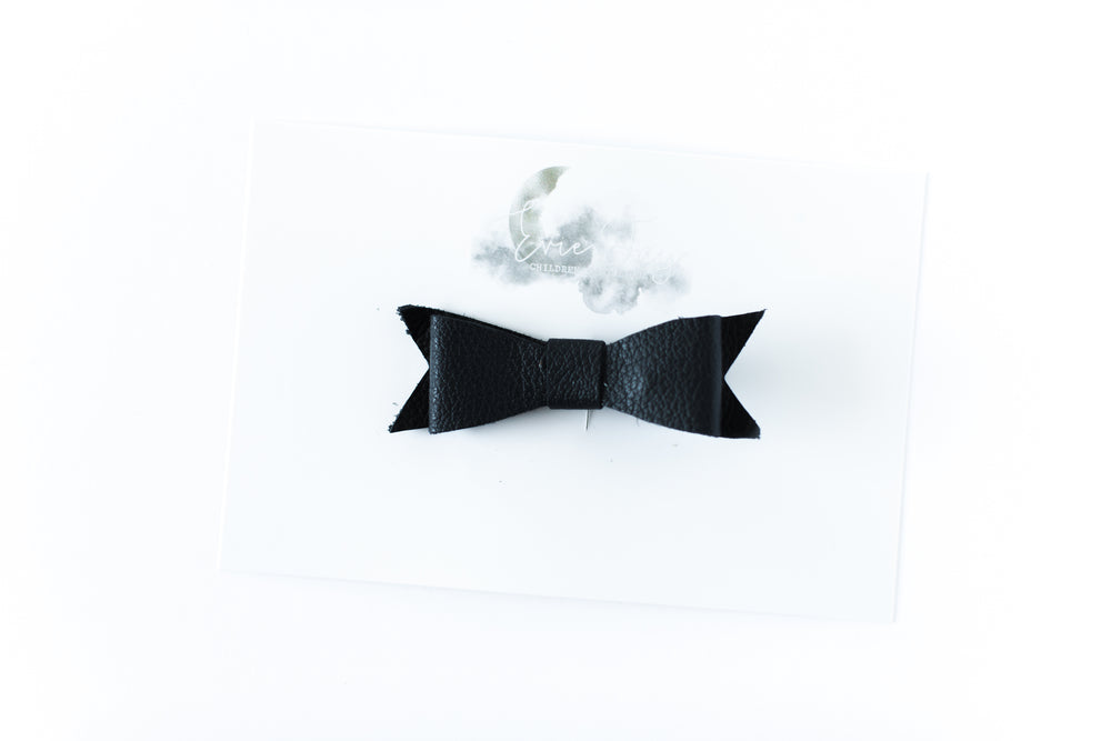 Leather Bow Clip // Black