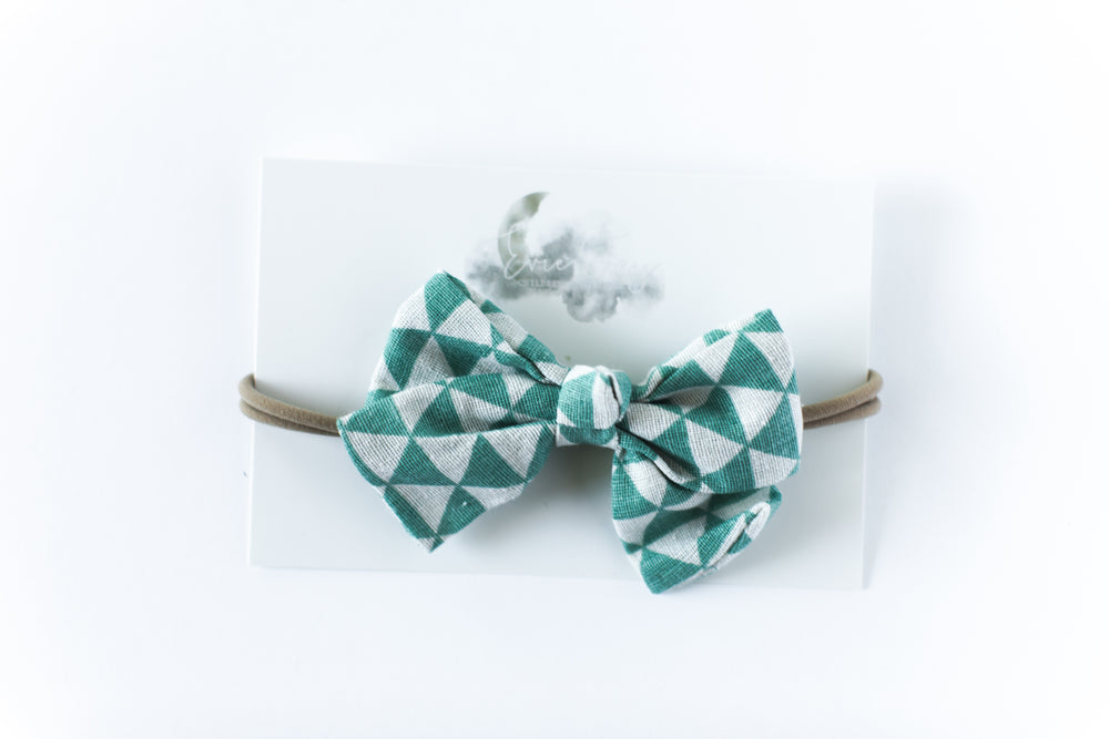 Headband // Pale Green & White Triangles