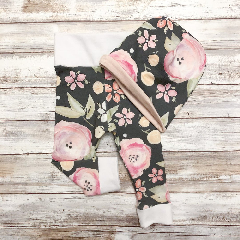 Load image into Gallery viewer, Charcoal Floral Leggings
