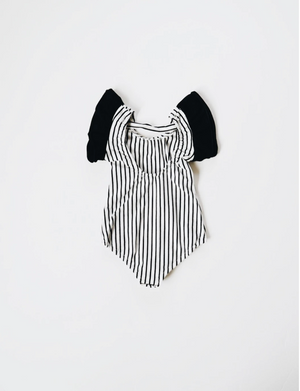 Load image into Gallery viewer, Flutter Sleeve Leo // Black & White Stripe
