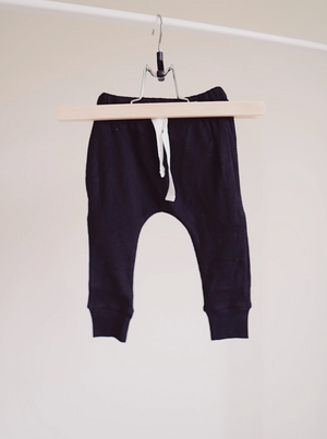 Load image into Gallery viewer, Ribbed Pocket Joggers // Black
