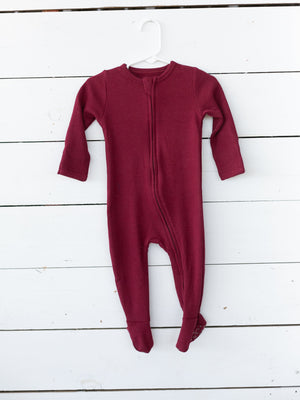 Load image into Gallery viewer, Organic Thermal Zip Footie // Maroon
