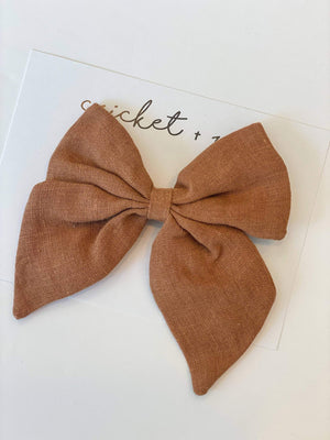 Load image into Gallery viewer, Linen Bow Clip // Caramel