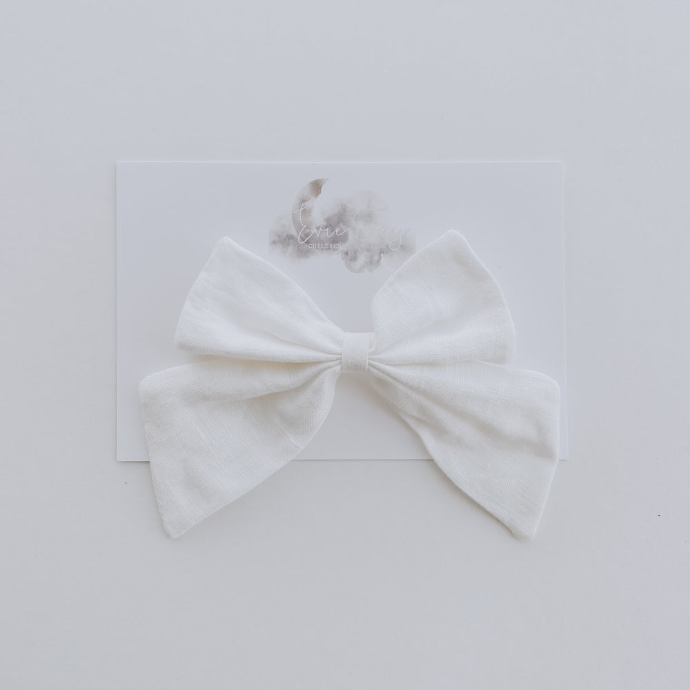 Load image into Gallery viewer, Linen Bow Clip // White