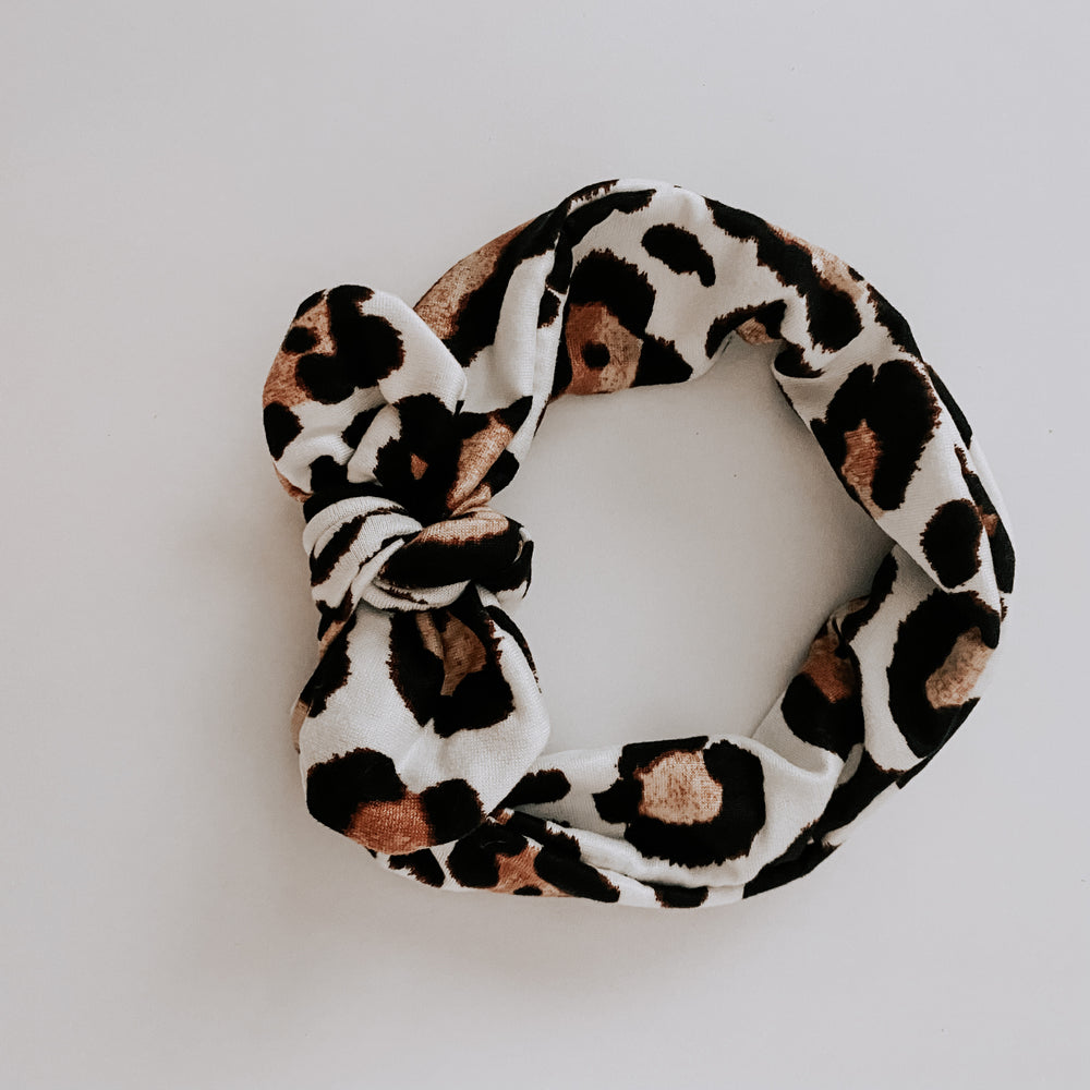 Load image into Gallery viewer, Knot Bow Headband // Leopard