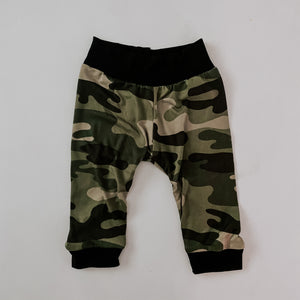 Load image into Gallery viewer, Joggers // Moss Camo