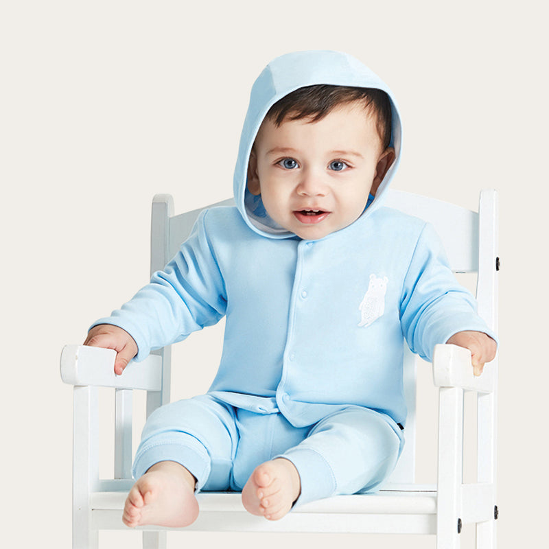 jacket Long sleeves shirt in soft cotton fabric with a printed design, hoodie and zipper Composition: 100% cotton. Care Instructions: Machine wash cold with like colors Description: Baby blue jacket with a white bear printed design
