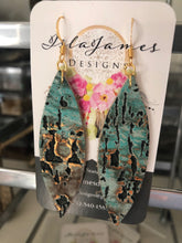 Load image into Gallery viewer, Lake Night Earrings