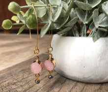 Load image into Gallery viewer, Sparrow Leaf Earrings
