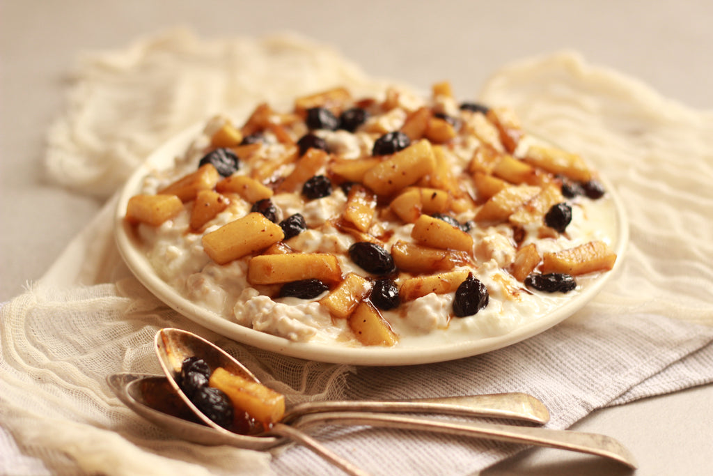 Muesli with apples & raisins