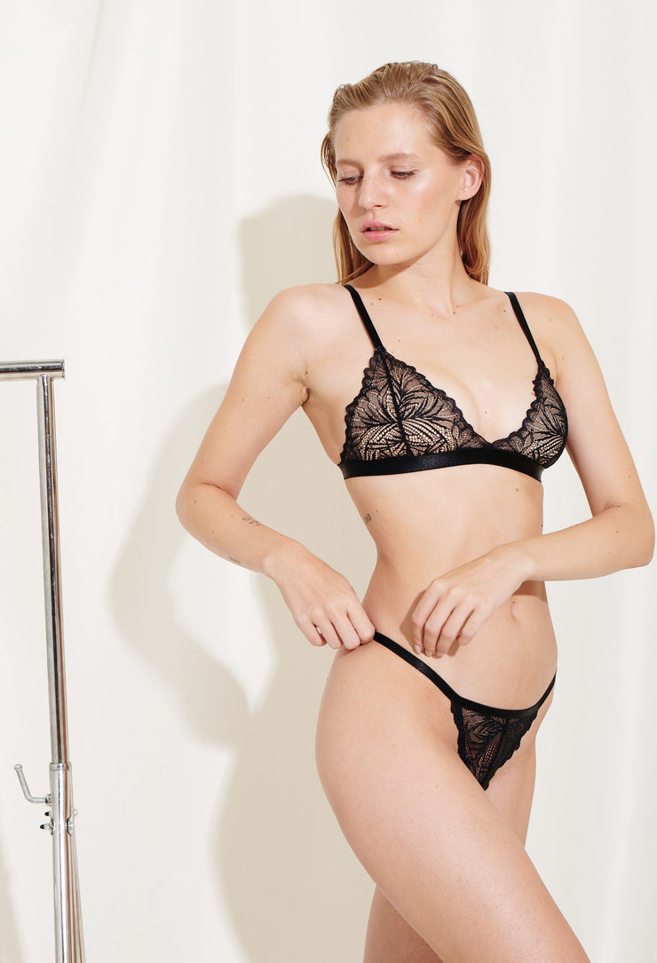 Lima string is made in soft nylon lace. Sustainable underwear