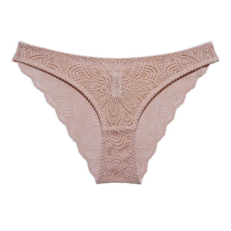 Our Luna Briefs are made in soft lace with delicate scalloped edges, for a light and romantic look.