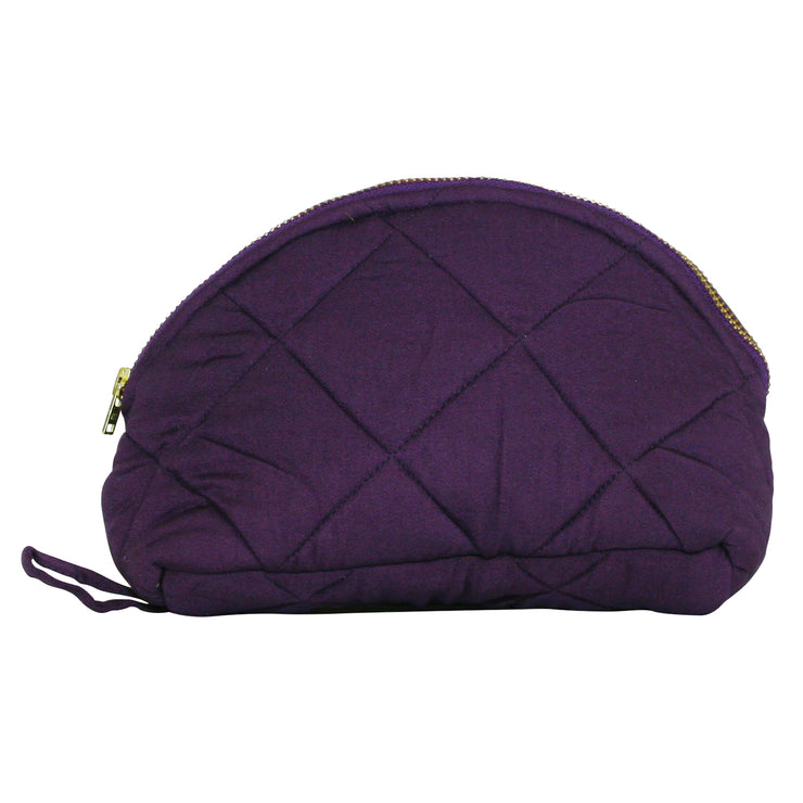 Our Isabel make-up purse is made in quilted lyocell fabric. Sustainable accessories
