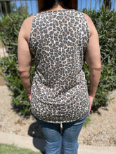 Load image into Gallery viewer, Leopard Basic Tank Top