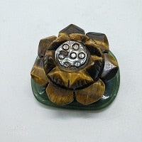 Load image into Gallery viewer, Hand Carved Crystal Lotus Flower