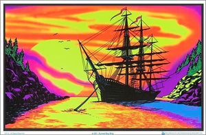 Posters Sunset Bay Ship - Black Light Poster 100174