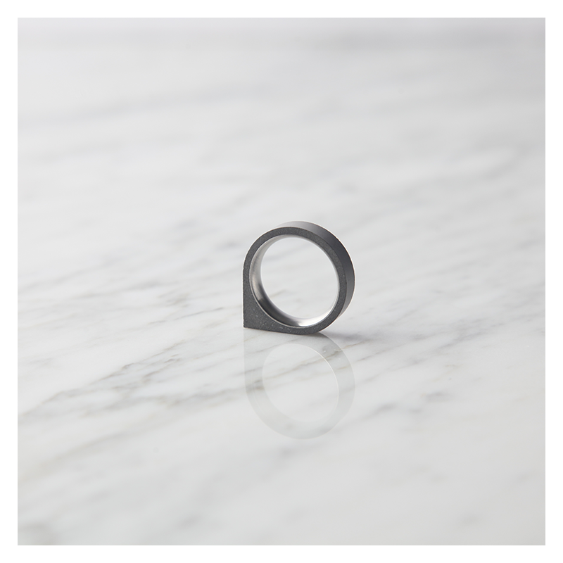 22 DESIGN STUDIO 22DS Concrete Ring - Corner Thin | the OBJECT ROOM