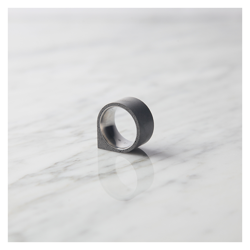 22 DESIGN STUDIO 22DS Concrete Ring - Corner | the OBJECT ROOM