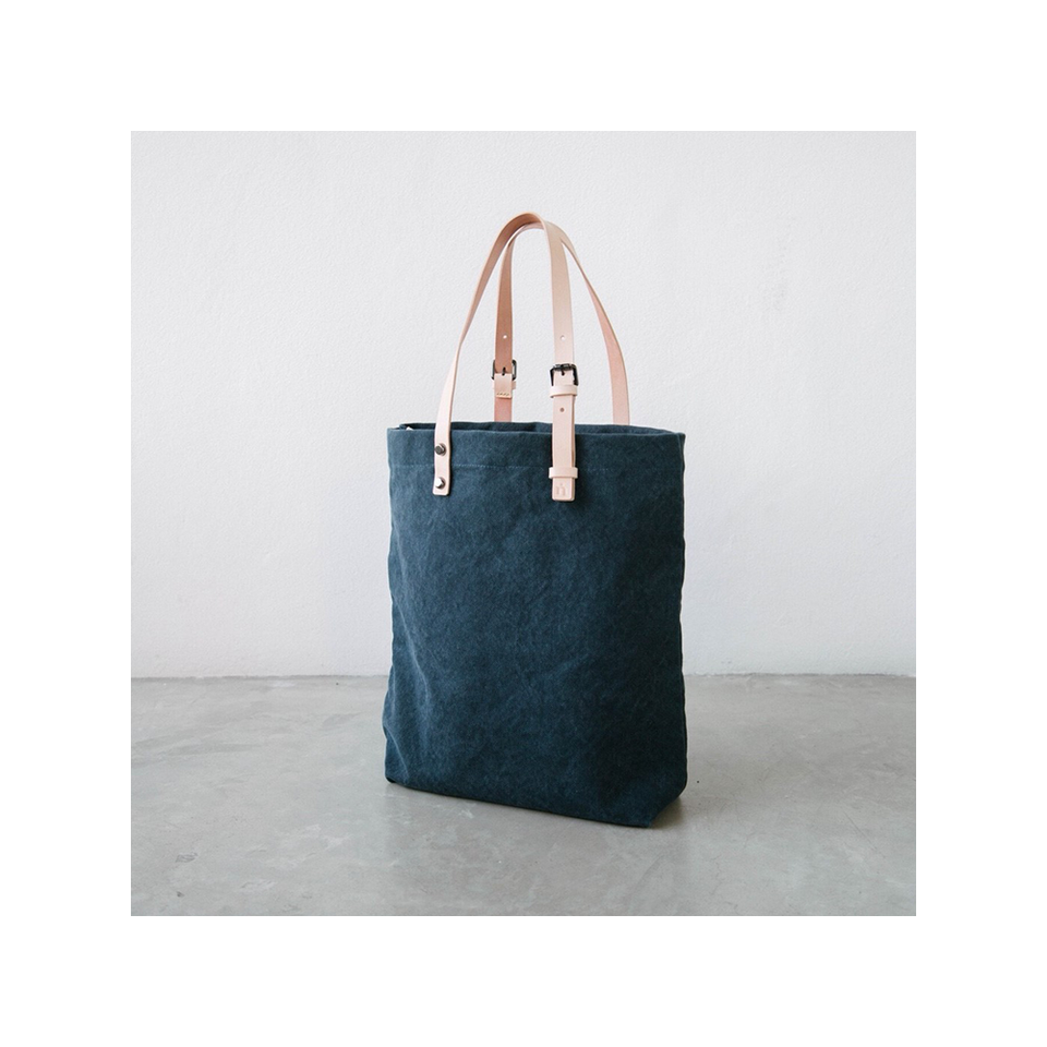 NIN LIFESTYLE The Steinbeck Tote - Navy Blue | the OBJECT ROOM