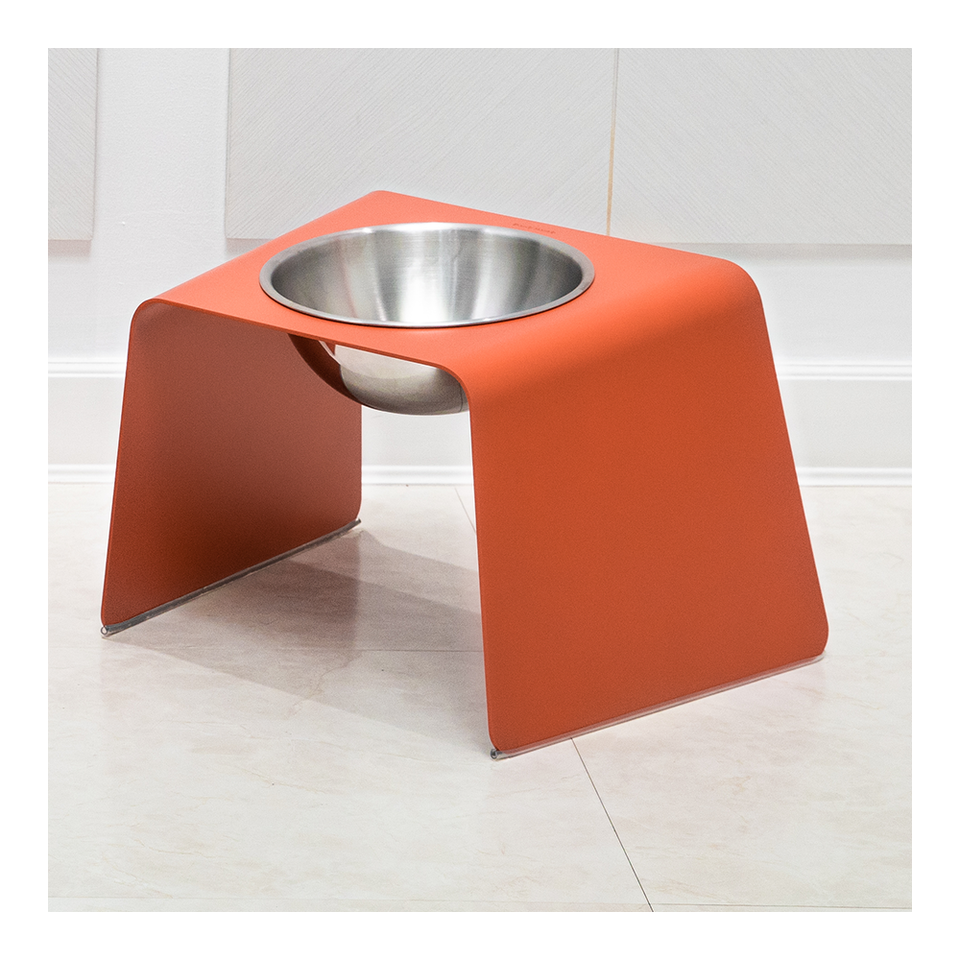 HOWDY HOUNDY Bend Elevated Feeder L - Apple Red