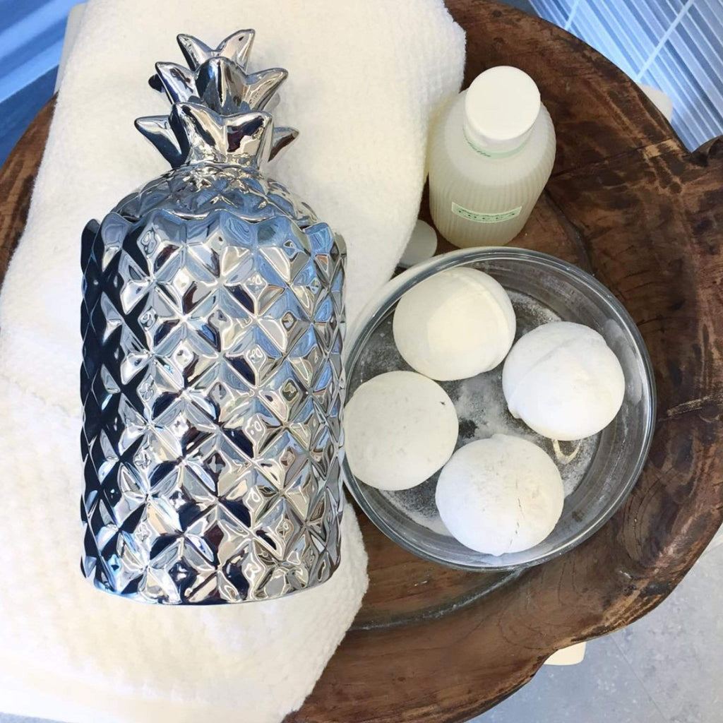 silver pineapple lidded ceramic candle