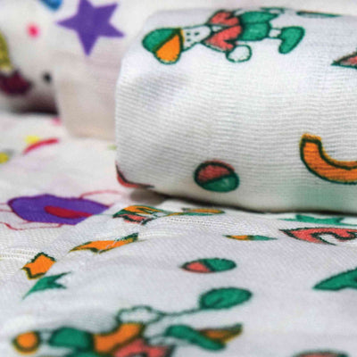 Muslin Cotton Swaddle Blankets- 72 x 72 cm- Super Soft & Colourful- 3 Pack Baby Shower Gift Bundle for Newborns-Unisex