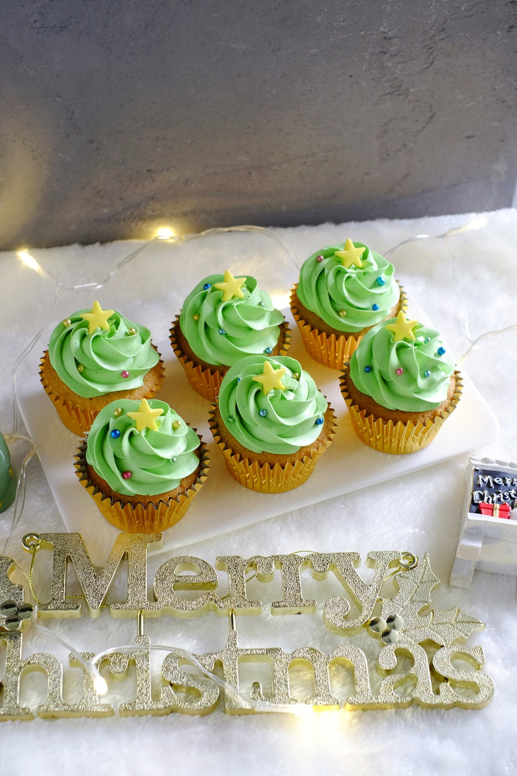 Christmas Tree Cupcakes ($5.50/Pc)