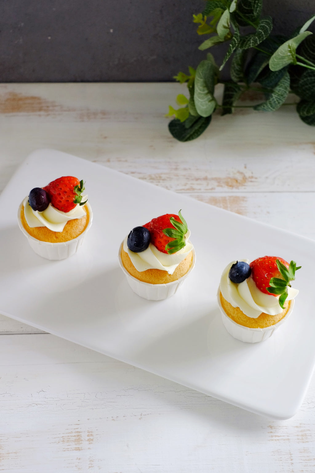 Mini Chiffon Fruit Cupcakes ($1.85/Pc)
