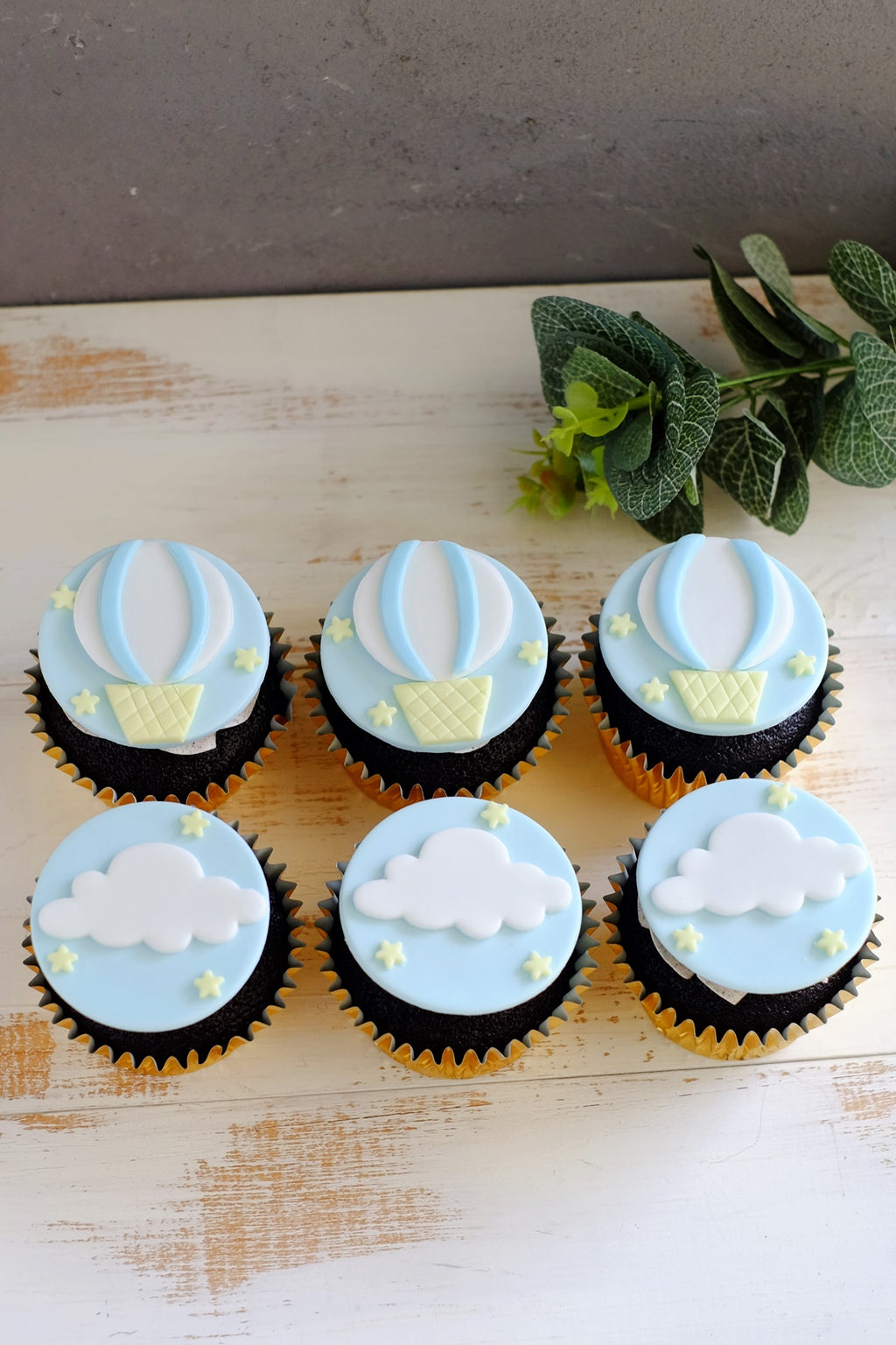 Hot Air Balloon Fondant Cupcakes (From $6.75/Pc)