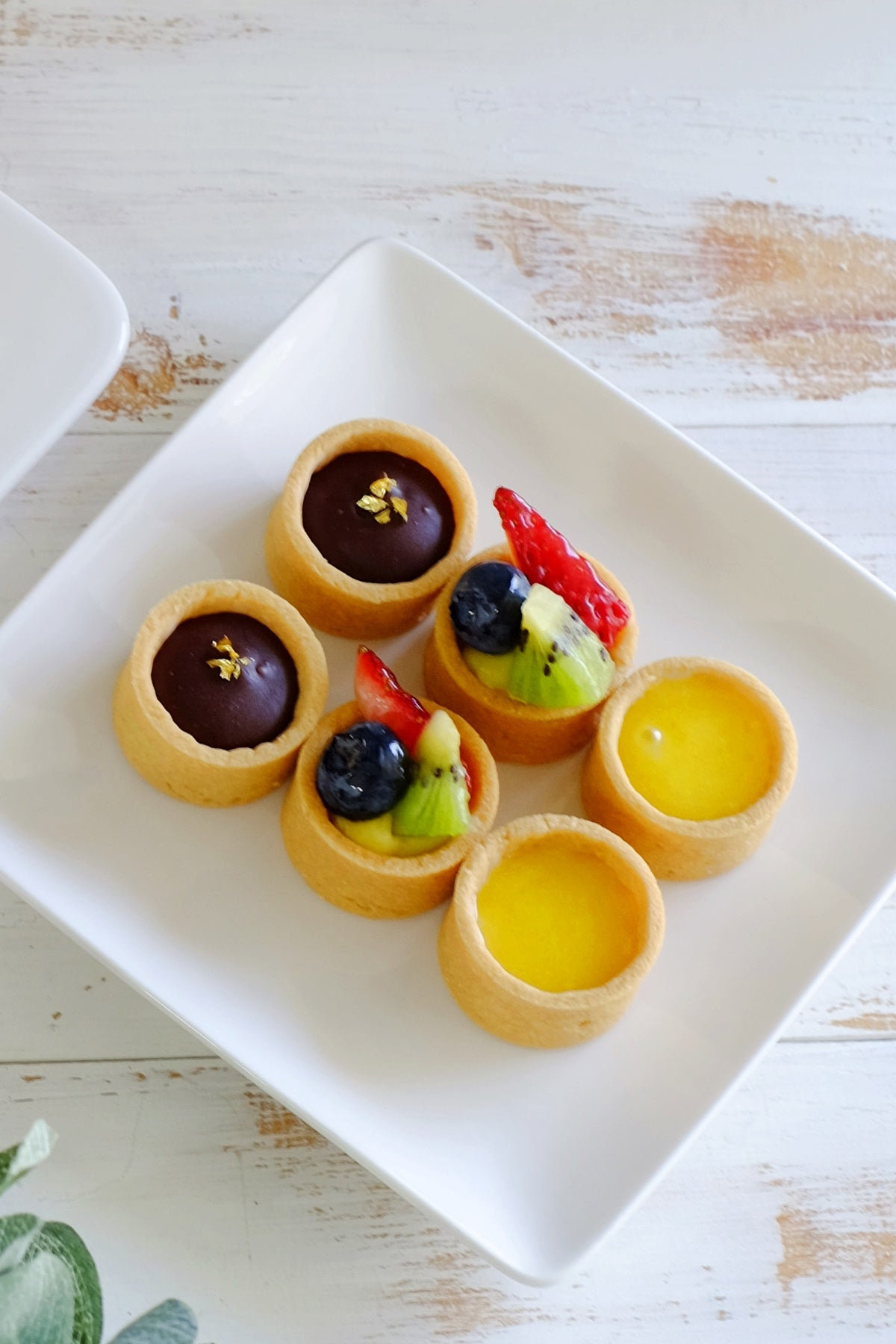 Lemon Curd Petite Mini Tartlets (From $2/Pc)