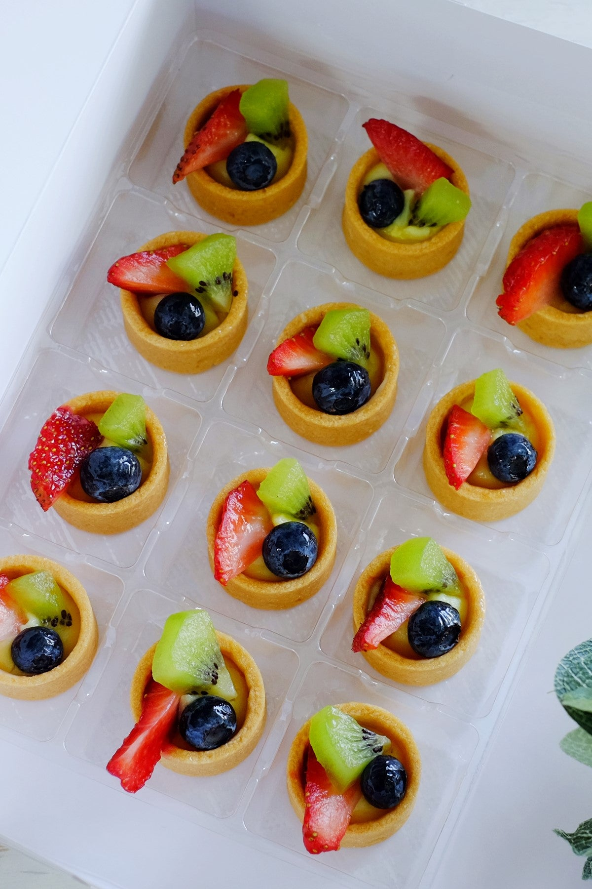 Vanilla Pastry Cream Petite Mini Tartlets (From $2.25/Pc)
