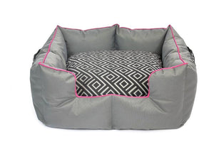 Wagworld K9 Castle - Large - Grey and Pink
