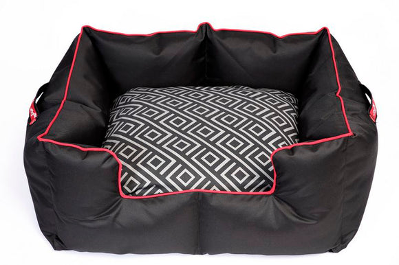 Wagworld K9 Castle - Extra Large - Black and Red Geo