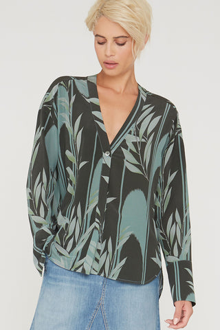 Alva silk shirt in Mystic Creek print