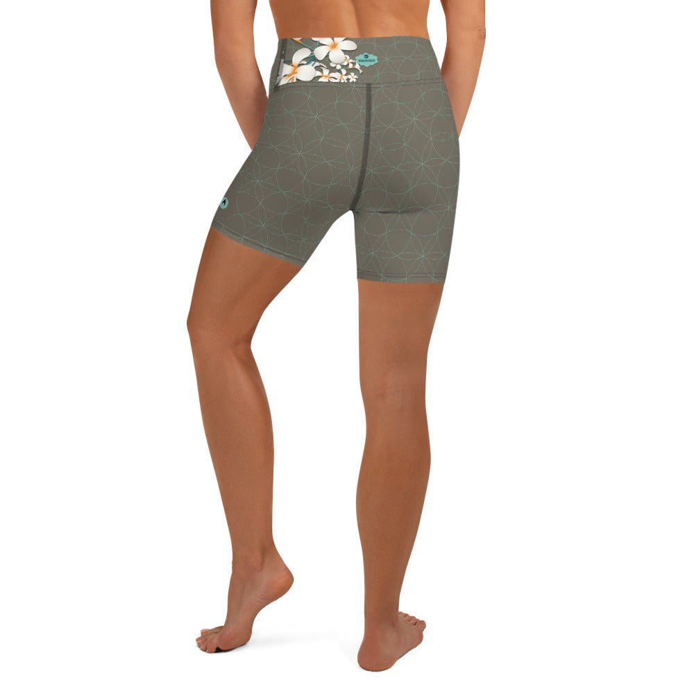 """KYRA"" Yoga Shorts by MOKSHAMAN® in greige & mint"