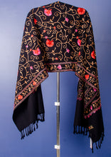 Load image into Gallery viewer, EMBROIDERY BLACK WOVEN WOOLLEN STOLE