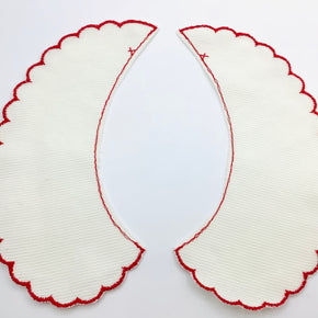 Eggshell Pique Collar with Red Scallop